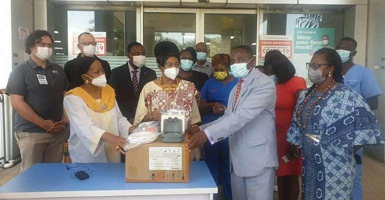 DAF, Simpkins Family donates Oxygenator to IMaH