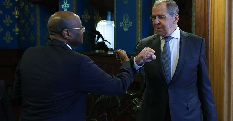 Gabonese Foreign Minister Pacome Moubelet-Boubeya and Russian Foreign Minister Sergey Lavrov