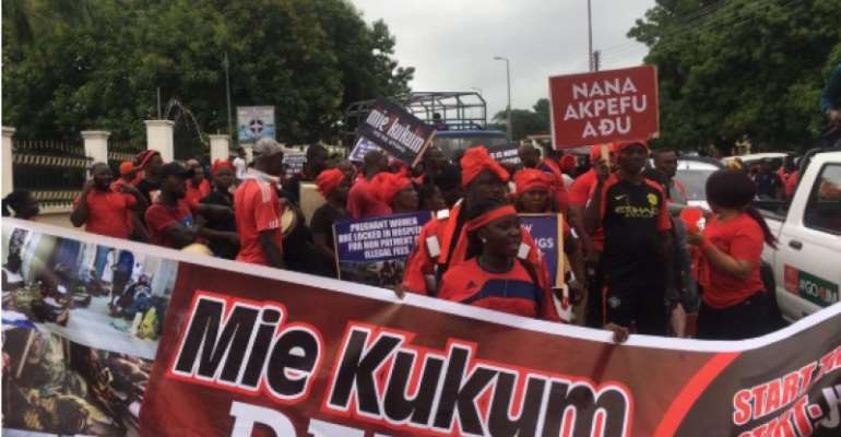 'Mie Kukum' Demo Hit Volta