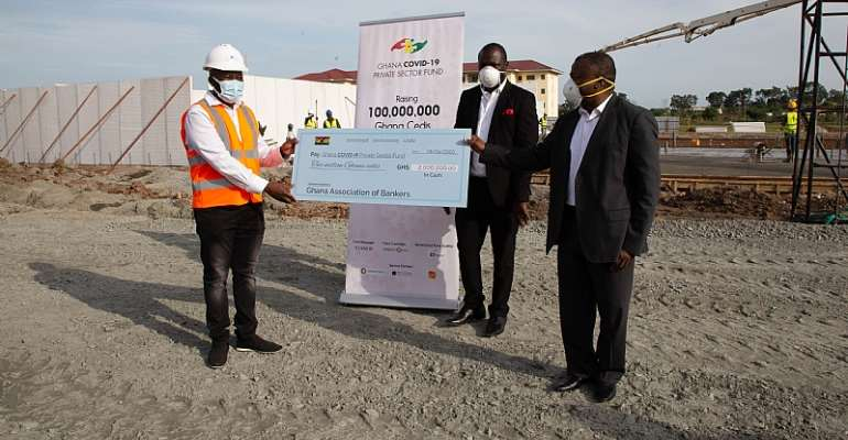 Bankers Donates Ghc300,000 To Support 'Feed The Frontline' Initiative