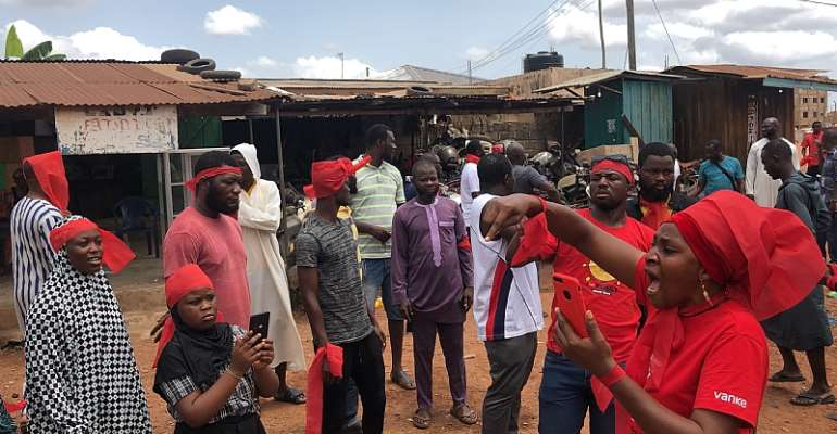 Madina youth fight against the sale of community land
