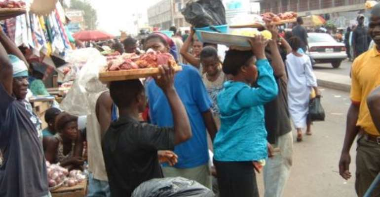 Hawkers' return to the streets