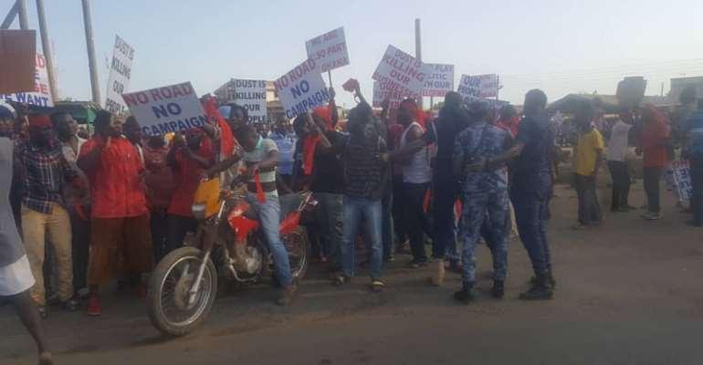 The demonstrators in action