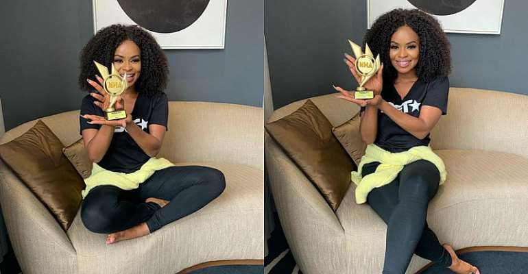 MTV Base VJ, Nenny B, Bags Award for 'TV Personality of the Year' at Nigeria Hype Awards