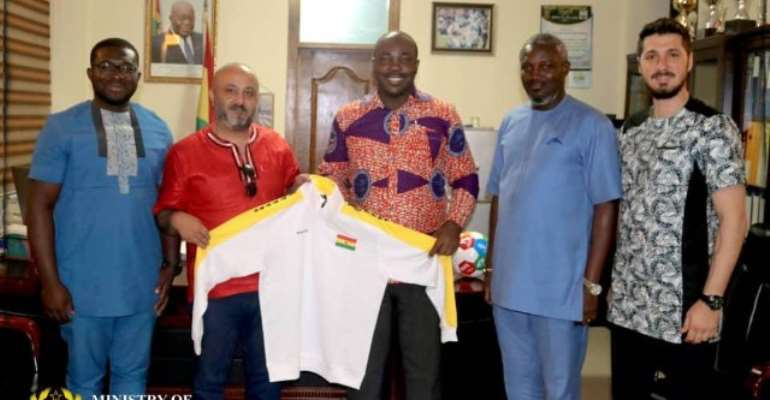 Fitcom Officials Pay Courtesy Call On Sports Minister