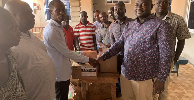 Kwahu Professionals Donate Ghs50,000 Worth Of Medicines To Health Facilities