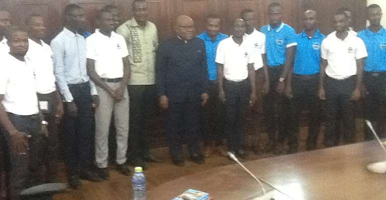 VVU students with Speaker of Parliament