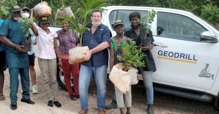 Prof. Azuma Nelson, Ama K. Abebrese join Geodrill to plant trees to support the GGi