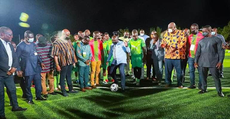 Bawumia displays football skills as he commissions ultra-modern Adjiringanor Astro Turf