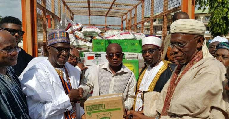 Nana Gives To Muslims In Kumasi