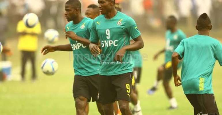Raphael Dwamena wants to continue playing with experienced Asamoah Gyan