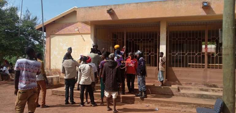 Savelegu: Irate youth lock up Cop in Assembly office