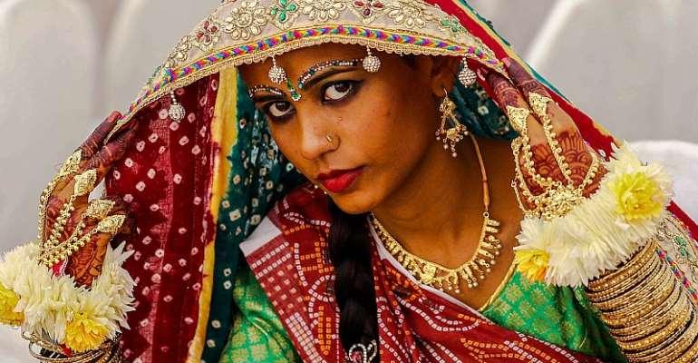A Hindu bride on her wedding day. - Source: EPA-EFE/Shaizaib Akber