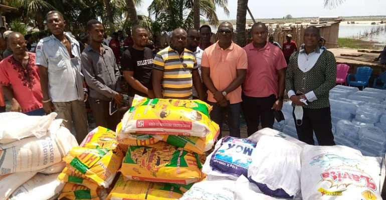 Ketu South: Former Board chairman of Ghana Monuments and Museums donate to Agavedzi tidal wave victims