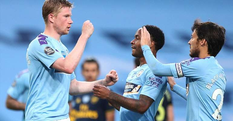 Manchester City Down Arsenal After David Luiz Meltdown