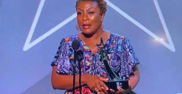 2019 BET Awards: Burna Boy's Mother Delivers Powerful Speech
