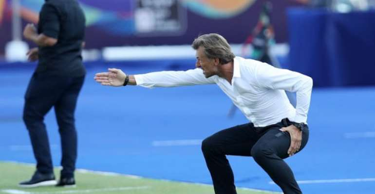 AFCON 2019: Morocco Coach Blasts Referee After He Refuses Water Break In Searing Heat