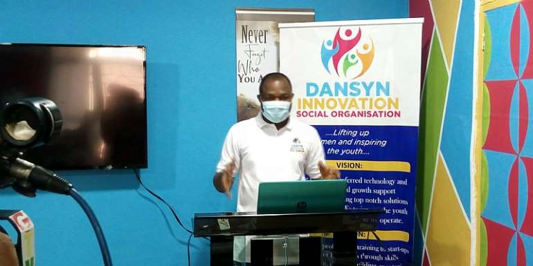 The Executive Director of Dansyn Innovation Social Organization ( ISO) Daneil Nang  in a presentation at at the meeting