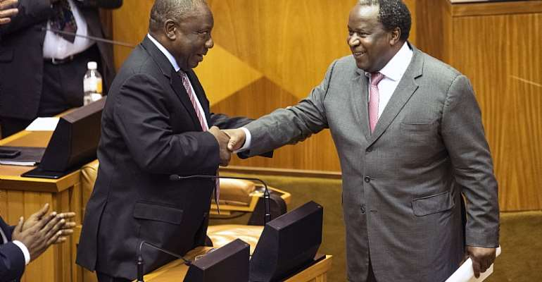 Does the budget tabled by Finance Minister Tito Mboweni (right) speak to President Cyril Ramaphosa's (left) vision of the new economy? - Source: Getty Images