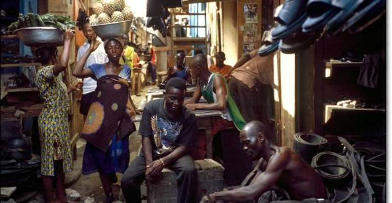 Stranded Kumasi traders accuse KMA