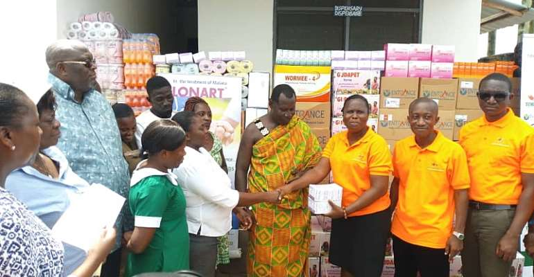 Tobinco Foundation Give Drugs To Ampain Refugee Camp