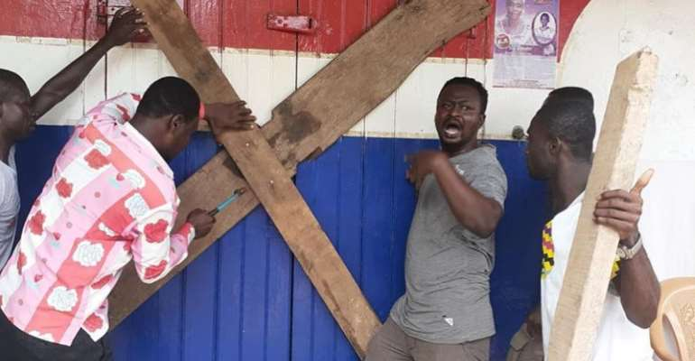 Angry NPP Youth Besiege Mankranso; Lock DCE's Office