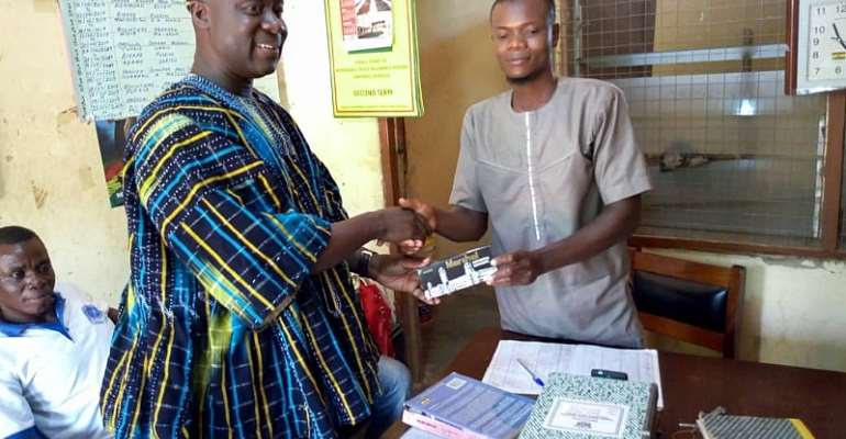 Dr. Godfred Seidu Jasaw Donates To BECE Candidates In Wa East