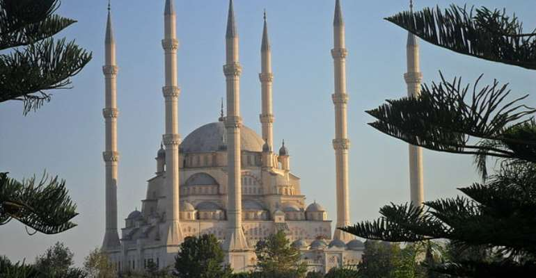 President of the Ghana Youth Conference extends Eid al-Fitr congratulations to Muslims in Ghana