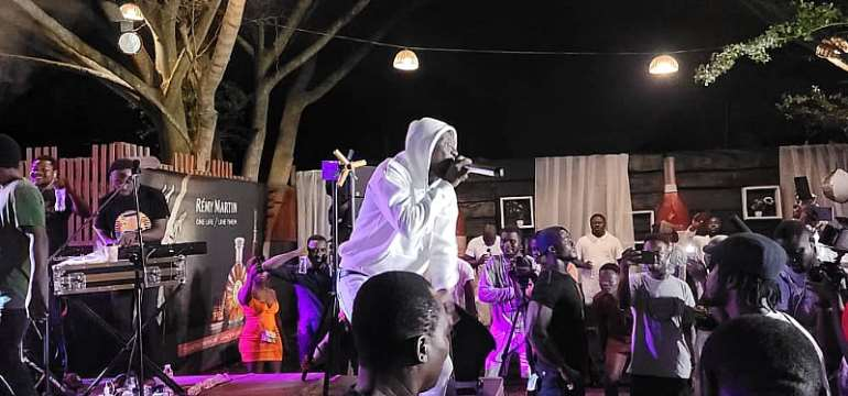 Top musicians and celebs join Okomfour Kwadee to celebrate his birthday (Video)