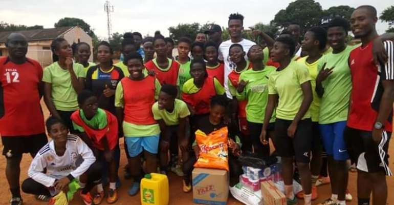 Former liberty Professionals Defender Samuel Sarfo Donates To Ideal Ladies