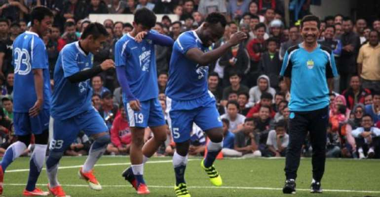 Michael Essien failing to shine for 'troubled' Indonesia side Persib Bandung
