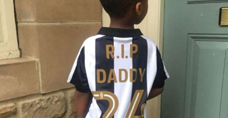 Tiote's Son Wears 'RIP Daddy'