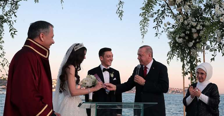 German Ozil Marries With Turkey President Erdogan As Best Man
