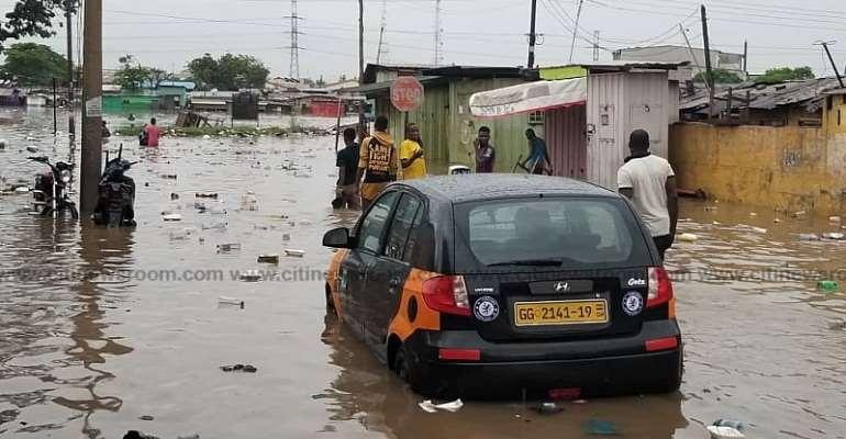 Heavy Downpour Flood Parts Of Accra [Photos]