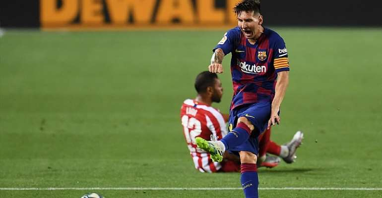 Lionel Messi reacts versus Atletico Madrid