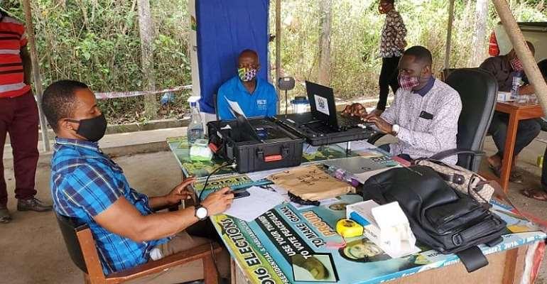 EC Advise Registrants Not To Wear Blue Coloured Attire To Registration Centres
