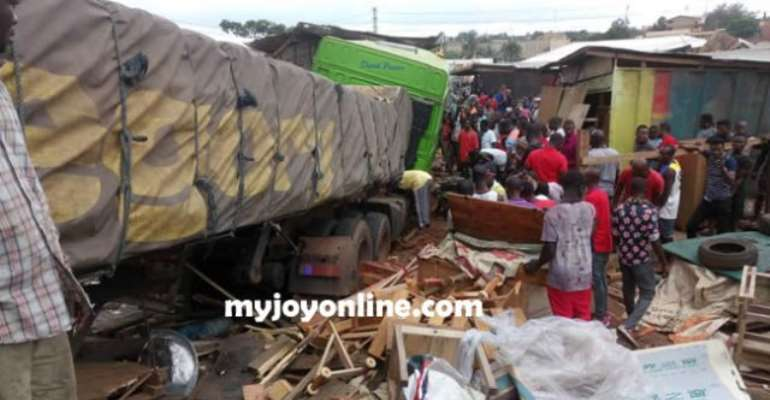Kumasi: 1 Trapped, 2 Injured In Trailer Accident