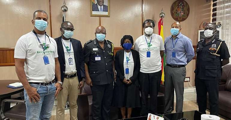 Eco-Conscious Citizens with the Inspector General of Police