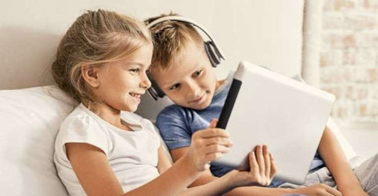 Parents Must Reduce Screen Time For Kids To Reduce Myopia Risk