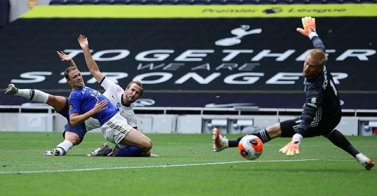 Harry Kane (Tottenham Hotspur) trifft gegen Leicester City  Image credit: Getty Images