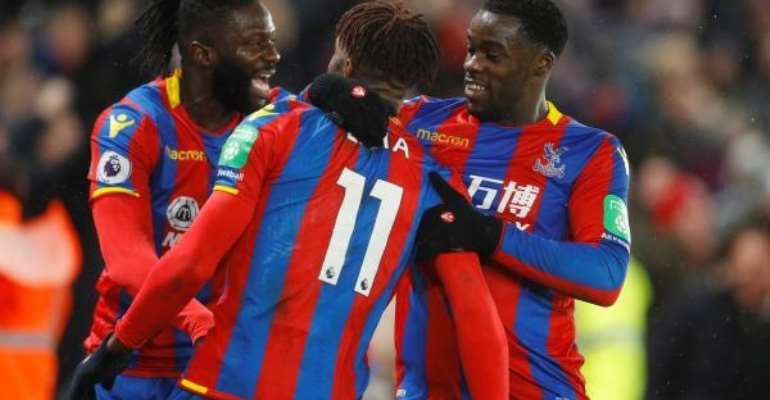 Jeff Schlupp Insists Wilfred Zaha Not Distracted By Transfer Rumours