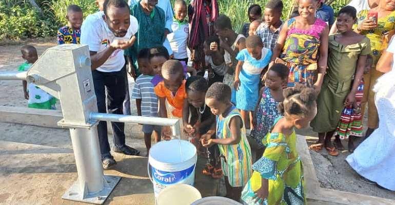 Akatsi South: Madamfo Ghana foundation donates borehole to Deve community