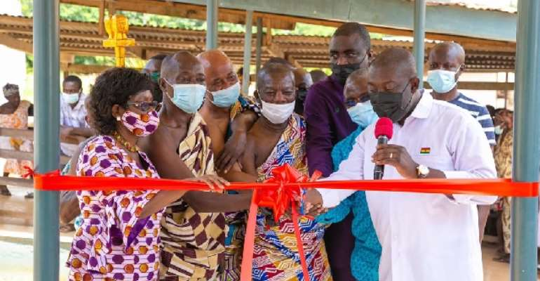 Oppong Nkrumah hands over medical theatre to Ofoase Ayirebi constituency