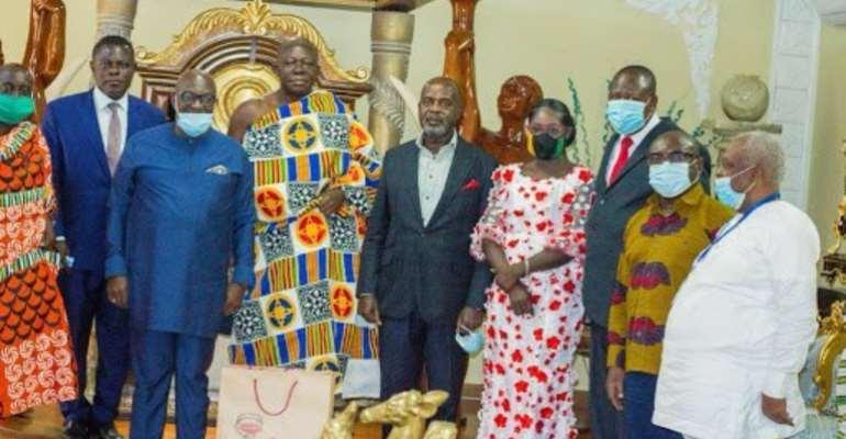 Asante Kotoko Board Members with Otumfou Osei Tutu II