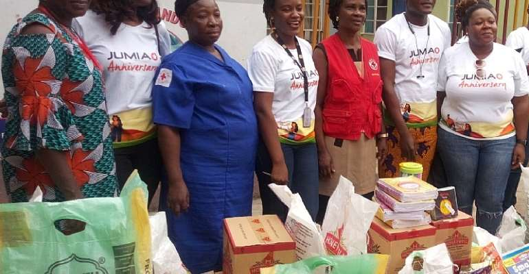 Mrs Newyear Ihenacho, Head Teacher, Red Cross Orphanage Home, Makoko; Adeshile Allinson, Head, Seller Operations, Jumia Nigeria: Miss Idowu Taiwo, Matron, Red Cross Orphanage Home, Makoko, Makoko; Tosin Iyanda, HR Manager, Jumia Nigeria; Mrs Gloria Chiukwe, Admin Officer, Red Cross Orphanage, Makoko; Olukayode Kolawode, PR & Communications Manager, Jumia Nigeria; and Temitope Azeez, Cross Country HR Manager