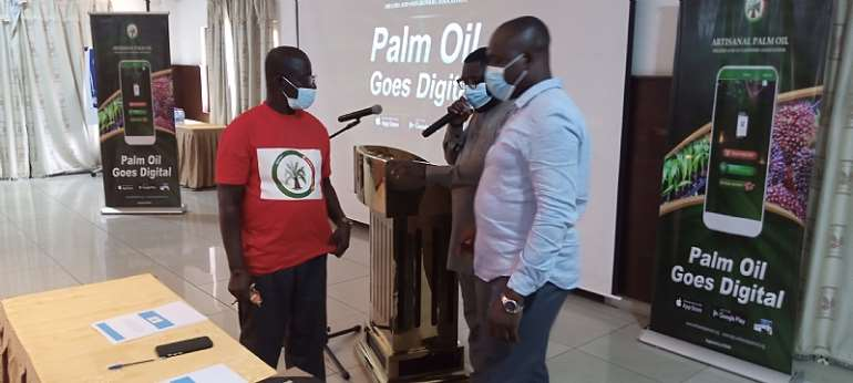 FDA boss cautions palm oil producers from using Sudan IV