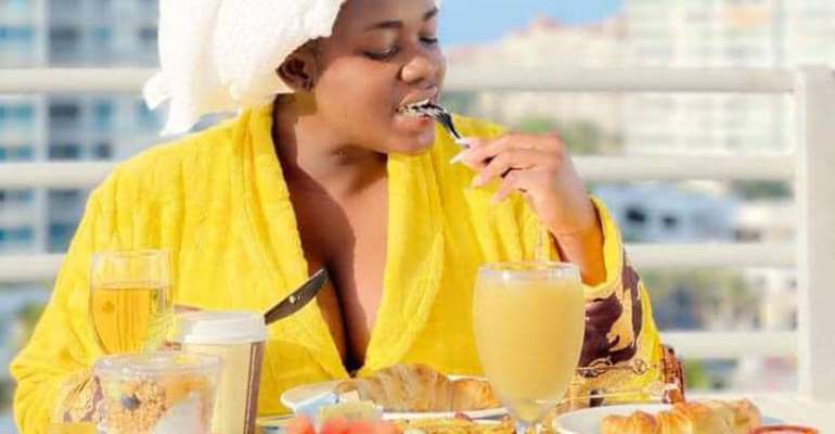 Tracey Boakye chills in Florida, with Social Media buzzing