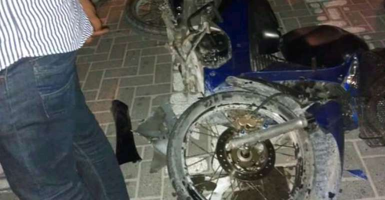Two motor riders using phone torchlight as headlight crashed to death, one in critical condition at Gefia