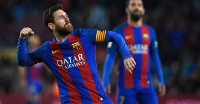 Lionel Messi commits to Barcelona with new contract to 2021