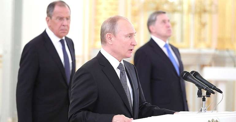 Putin Expresses Desire to Cooperate with Foreign States